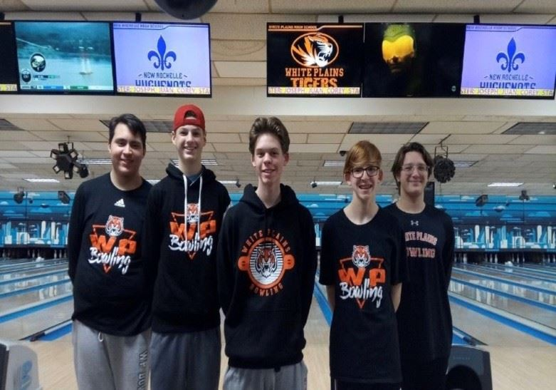 WPHS 2019-20 Varsity Bowling Team are League Champs